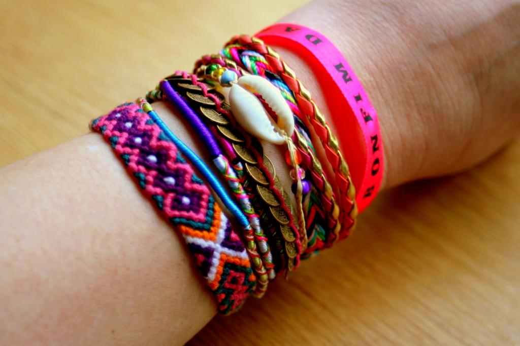 Qui m 39 aime me lise hipanema the bracelet grigris de l 39 t - Grigri porte bonheur ...