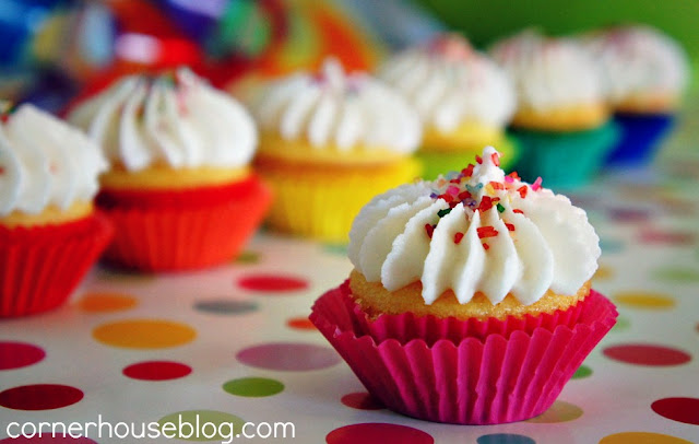 Rainbow Cupcakes and Other Awesomeness
