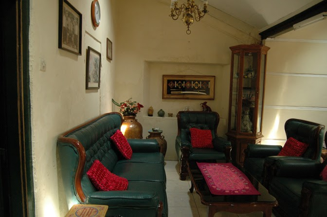 Hotel ter murah di jogja dekat malioboro home stay for Terrace yogyakarta
