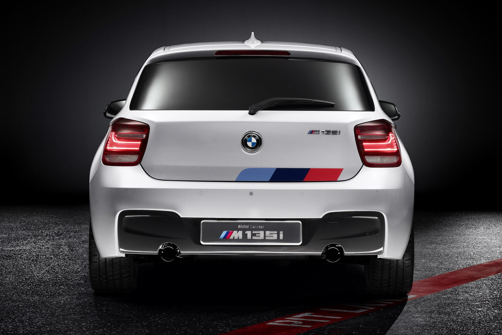 bmw m135i concept autooonline magazine. Black Bedroom Furniture Sets. Home Design Ideas