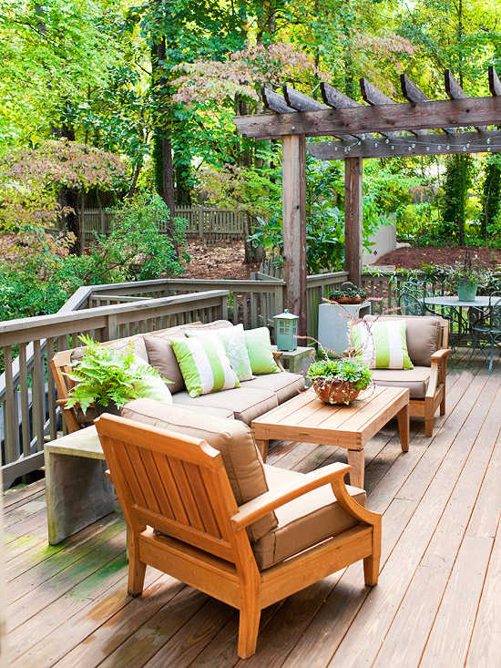 Easy ways to update your deck summer 2013 ideas for Simple patio decorating ideas