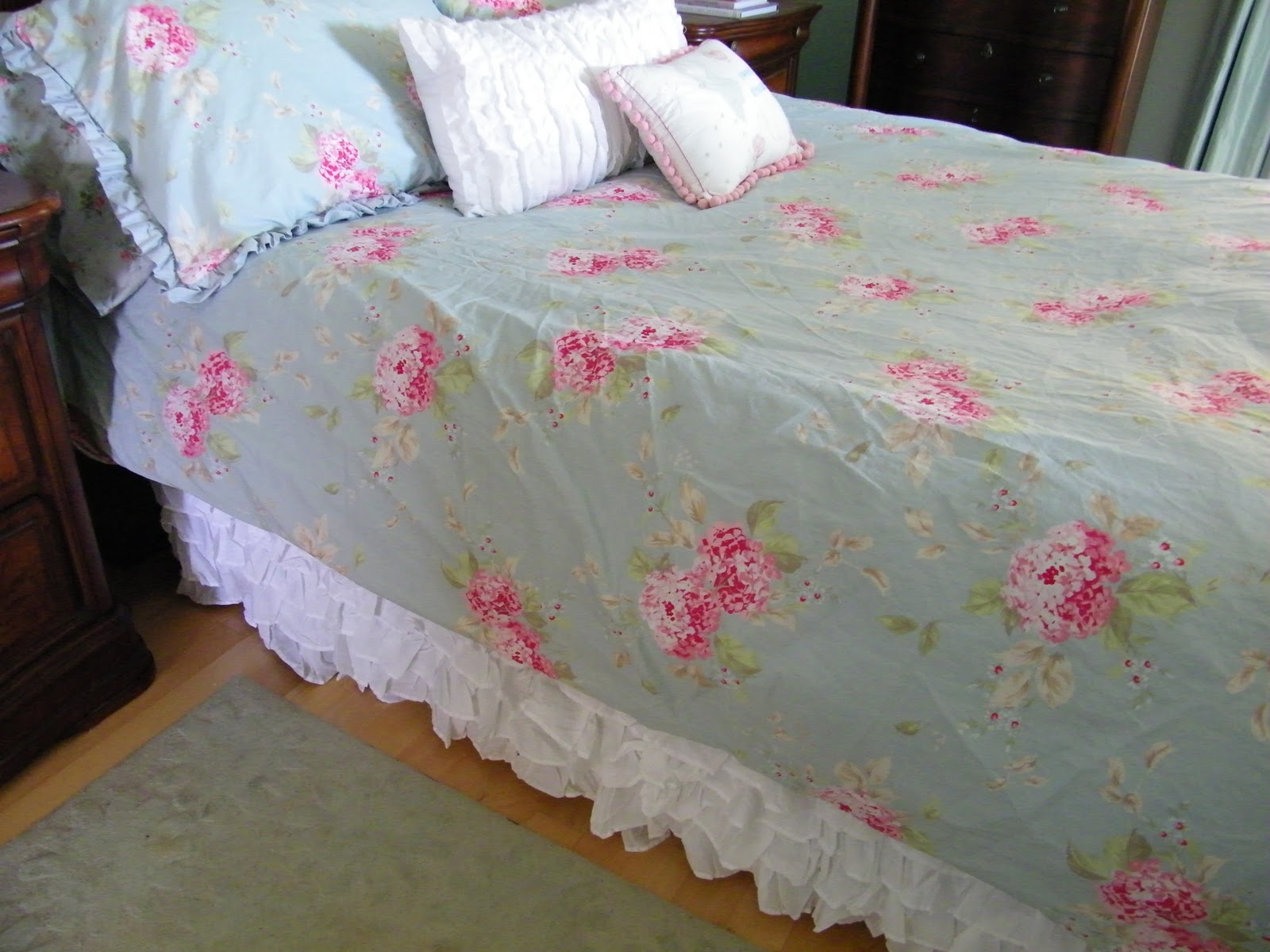 Top 28 shabby chic type bedding 12 diy shabby chic for Shabby chic bett