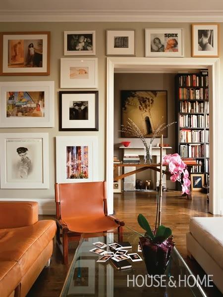 decorar salon vintage con cuero y tonos neutros