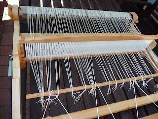 przygotowanie krosna do tkania