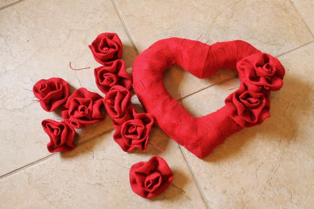 make fabric flowers for a wreath