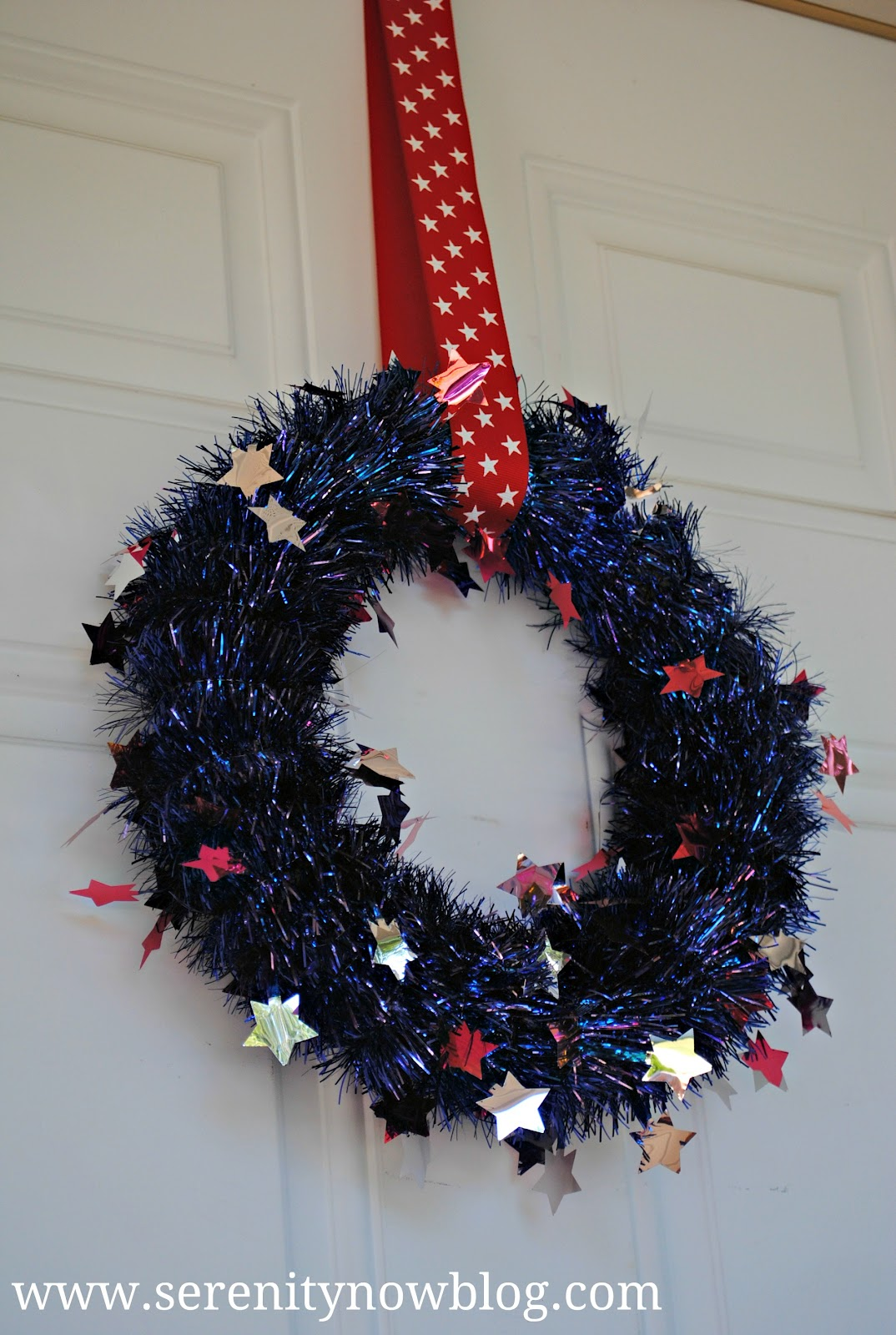 Serenity Now: 4th of July Tinsel Wreath (Last Minute Decorations)
