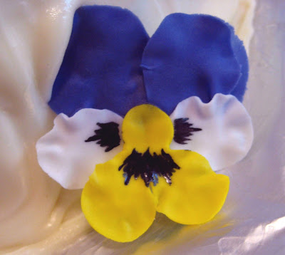 Pansy Flower Cake - Close-Up of Pansy
