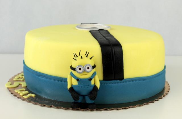 minions cake
