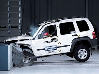 crash test for Jeep cherokee 2002 suv