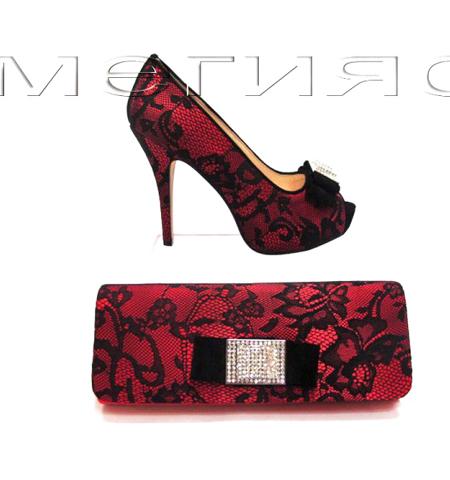 Високи обувки и чанта от сатен и дантела в червено и черно