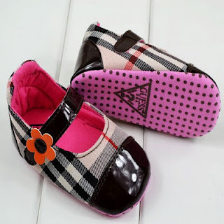 GUESS BABY PREWALKER SHOES 313. (11cm) 1 up to 6 mth. (12cm) 2 up to 9 mth