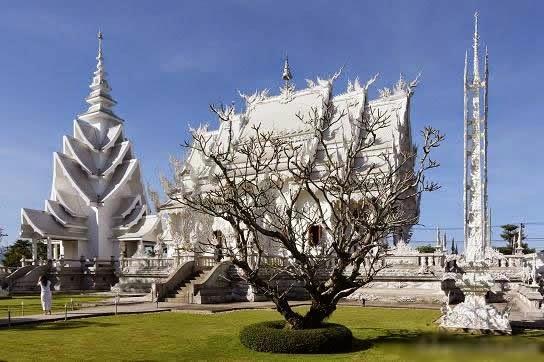 المعبد الأبيض..من أجمل الأبنية في العالم Wat_Rong_Khun-001