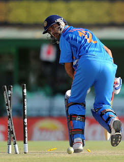 Yuvraj Singh stunned after a golden duck by Wahab Riaz who got his maiden five-wickets haul