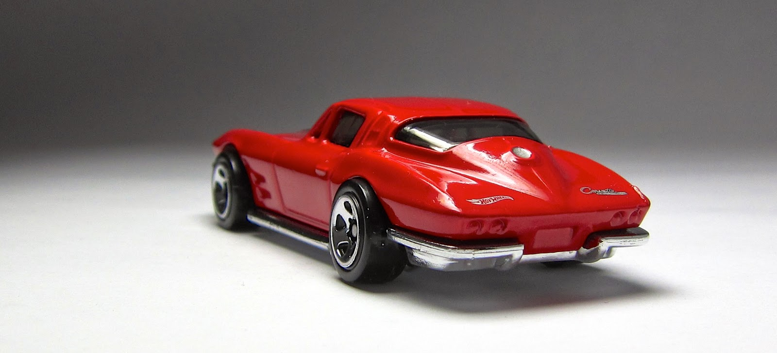 Hot Wheels 64 Corvette Stingray