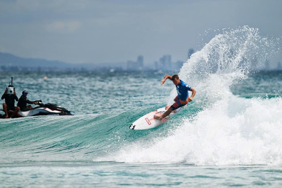 18 Quiksilver Pro Gold Coast 2015 Taj Burrow Foto WSL Kelly Cestari