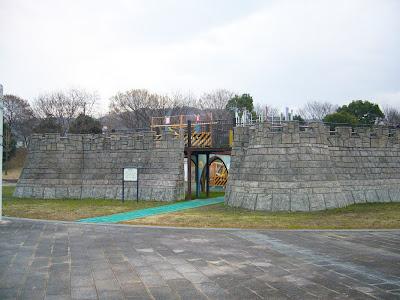 大阪府・深北緑地ウォーキング とりで広場
