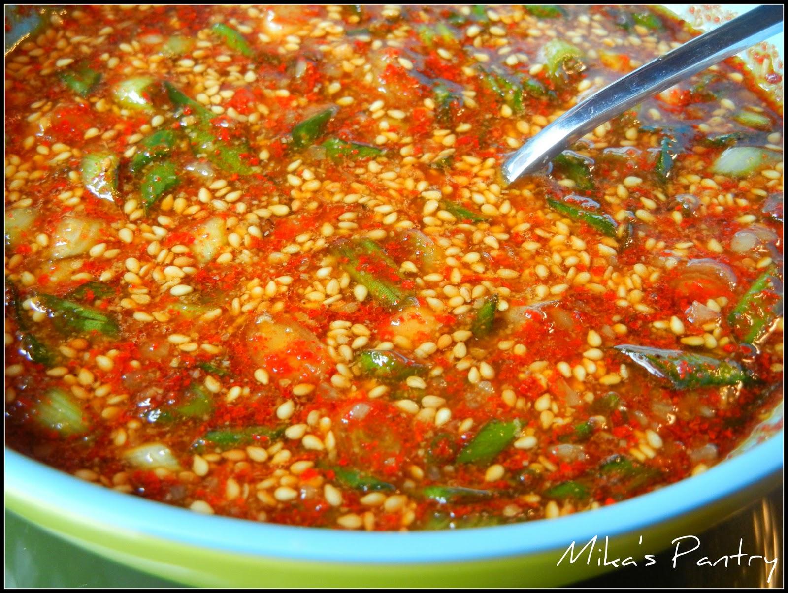 Mika's Pantry: Korean Soy Bean Sprout Bap (KongNaMul Bap)