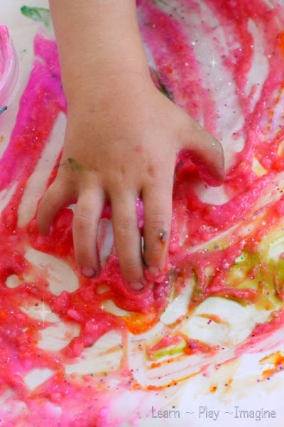 How to make sparkly finger paint for art and sensory play