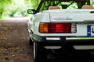 16 Mercedes-Benz 560SL R107 1988
