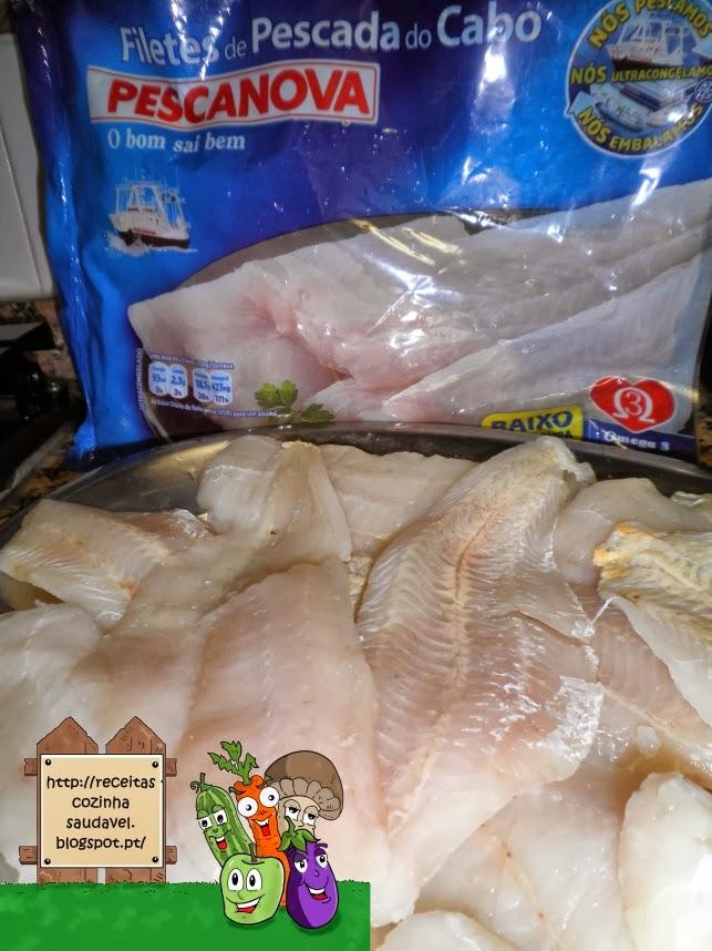 Rolinhos de Filetes de Pescada com Molho de Marisco