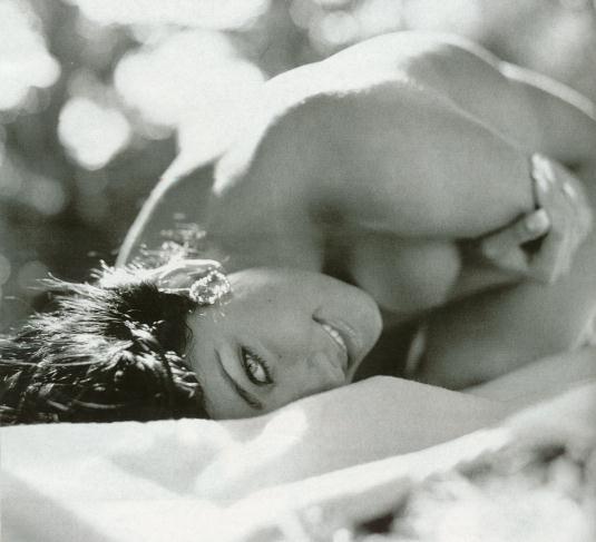 Helen Ganzarolli Nua Playboy