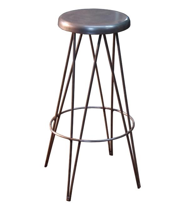 Mesas y sillas en metal de estilo industrial en hierro y - Taburete para bar ...