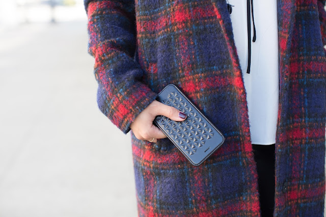 STIL cell case with plaid jacket