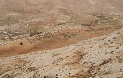 Arid landscape in the former 'Fertile Crescent' area of south-west Syria (Credit: Simone Riehl/Tnbingen University) Click to enlarge.
