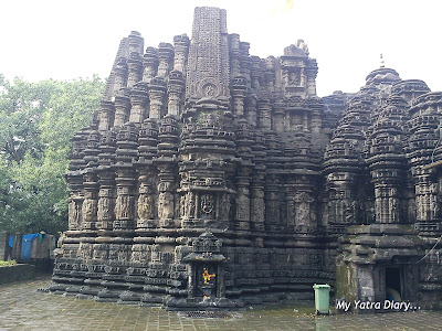 The astounding architecture and various deities in the premises of the Ambernath Shiva Temple in Maharastra