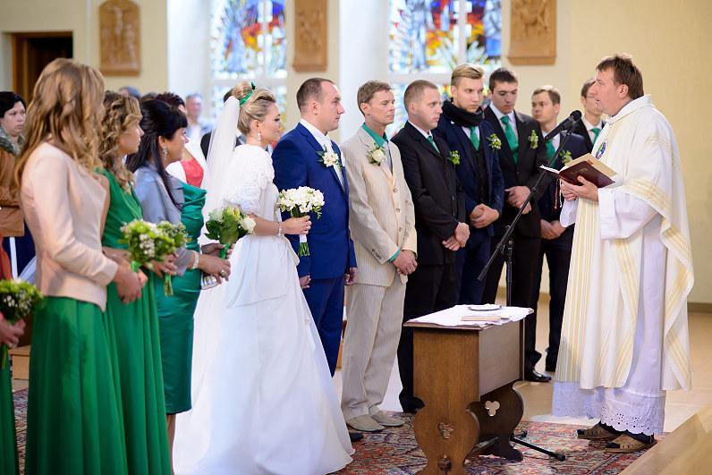 Visagino kunigas Vidmantas Rudokas tuokia