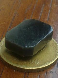 obsidian hitam