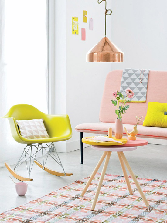 Pop and neo retro pastels in the living room via 101woonideeen.