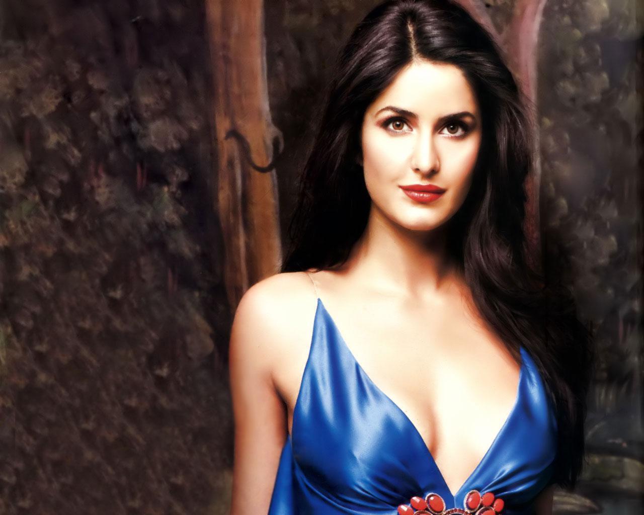 Hot Bollywood Actress Katrina Kaif in Red Clothe HD