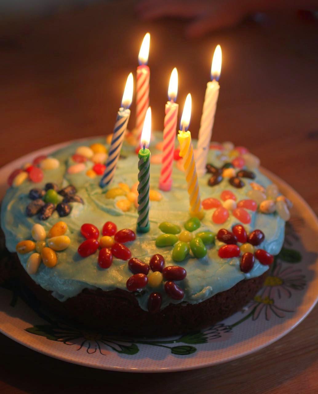 Simple birthday cakes: rainbow cupcakes, jelly belly flower cake, choc ...