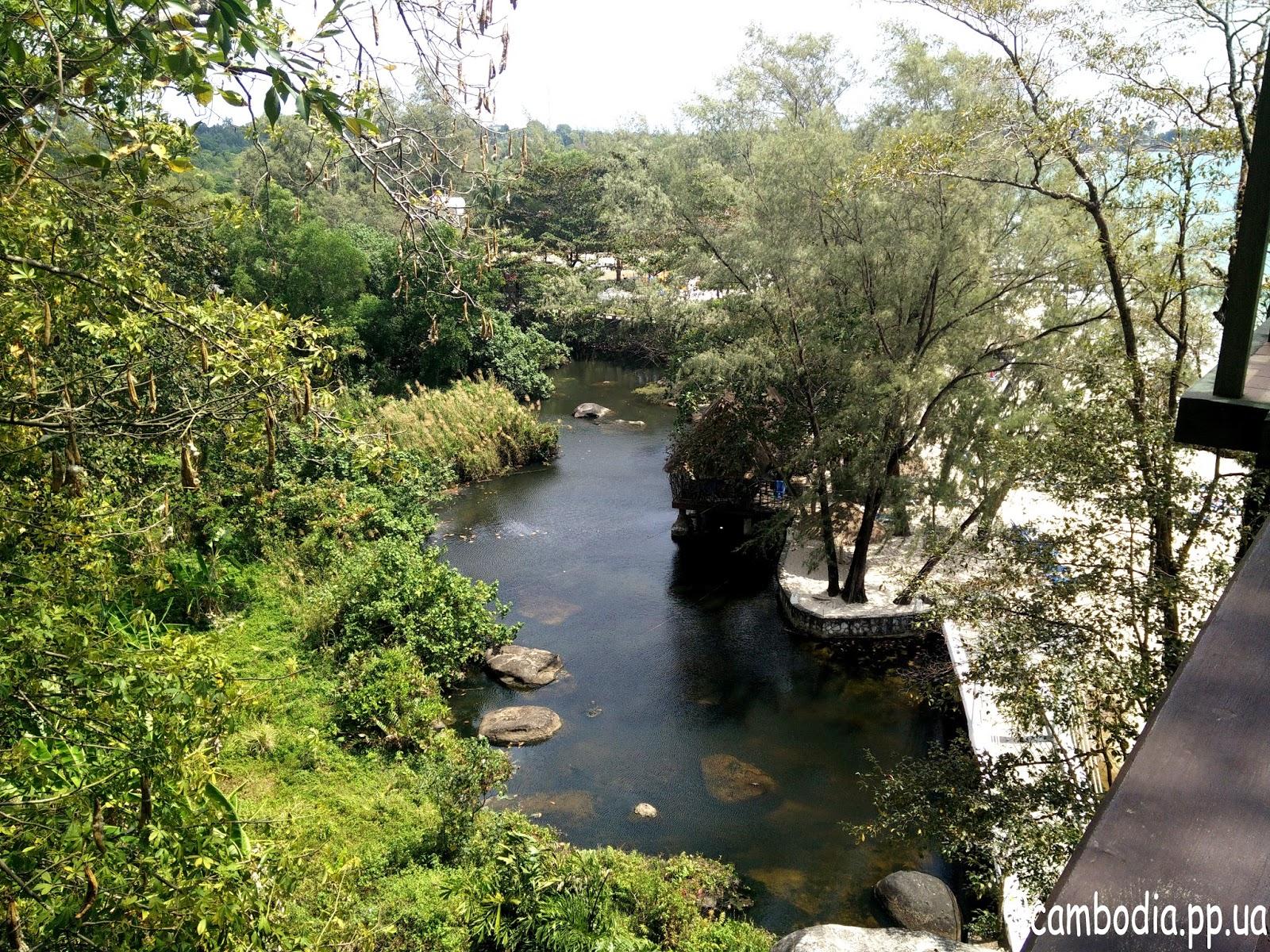 Парк в отеле Сиануквиля