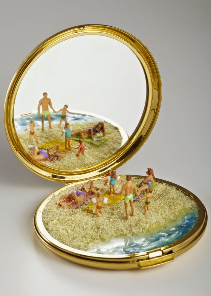 17-Kendal-Murray-Surreal-Miniature-Worlds-in-Everyday-Objects-www-designstack-co