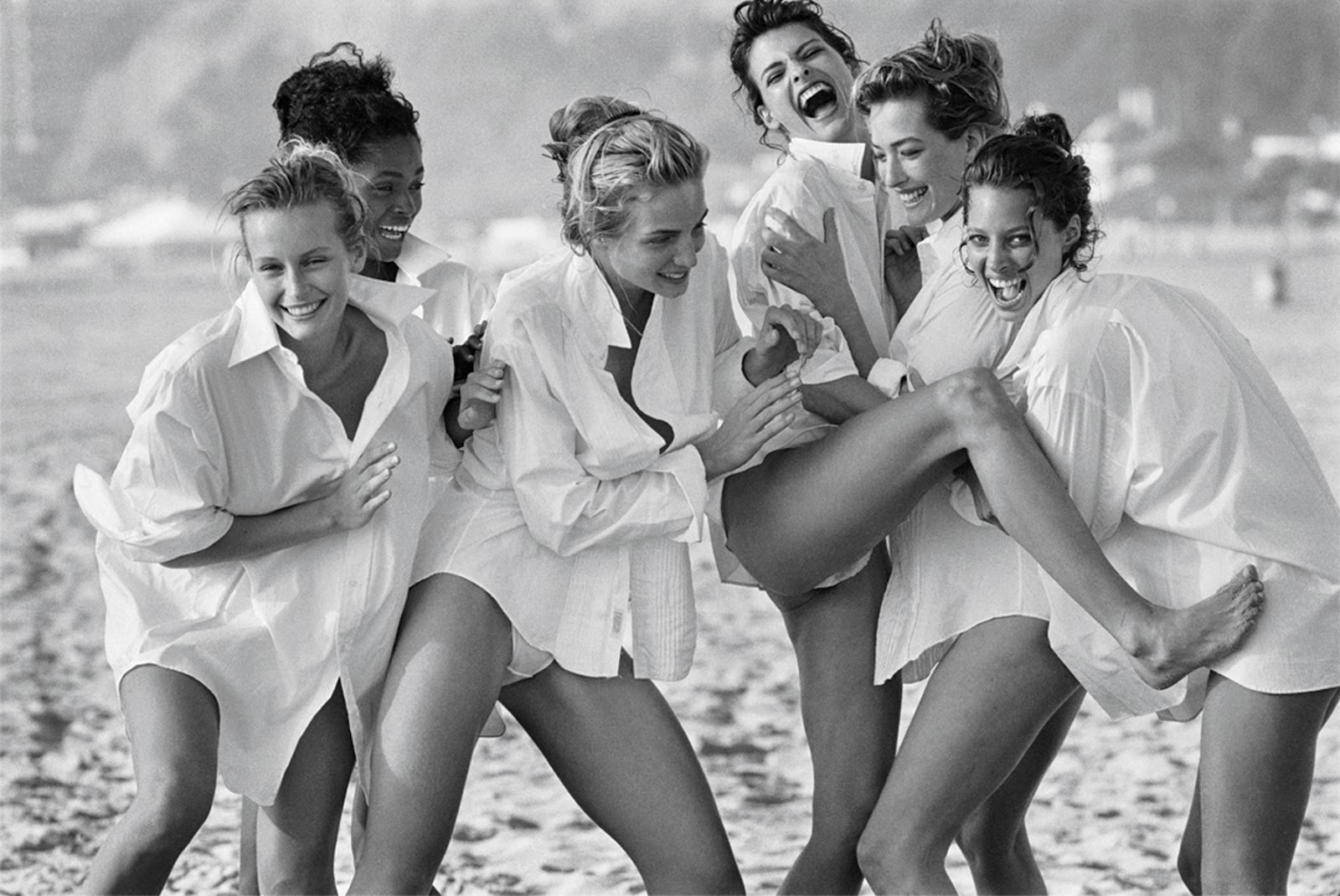 supermodels photographed by Peter Lindbergh via fashionedbylove.co.uk british fashion blog