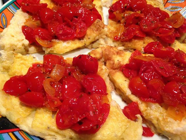 frittata soufflè con pomodori caramellati