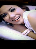 "Rizma Oktavia Nyanyikan Lagu ""Antara Anyer Dan Jakarta"""
