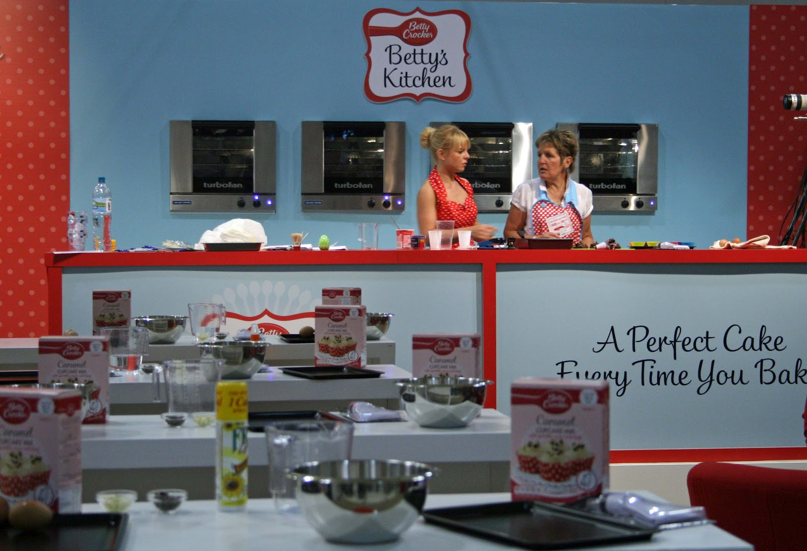 lauralovescakes...: Cake & Bake Show