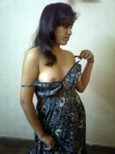 Indian Aunty Showing Blouse