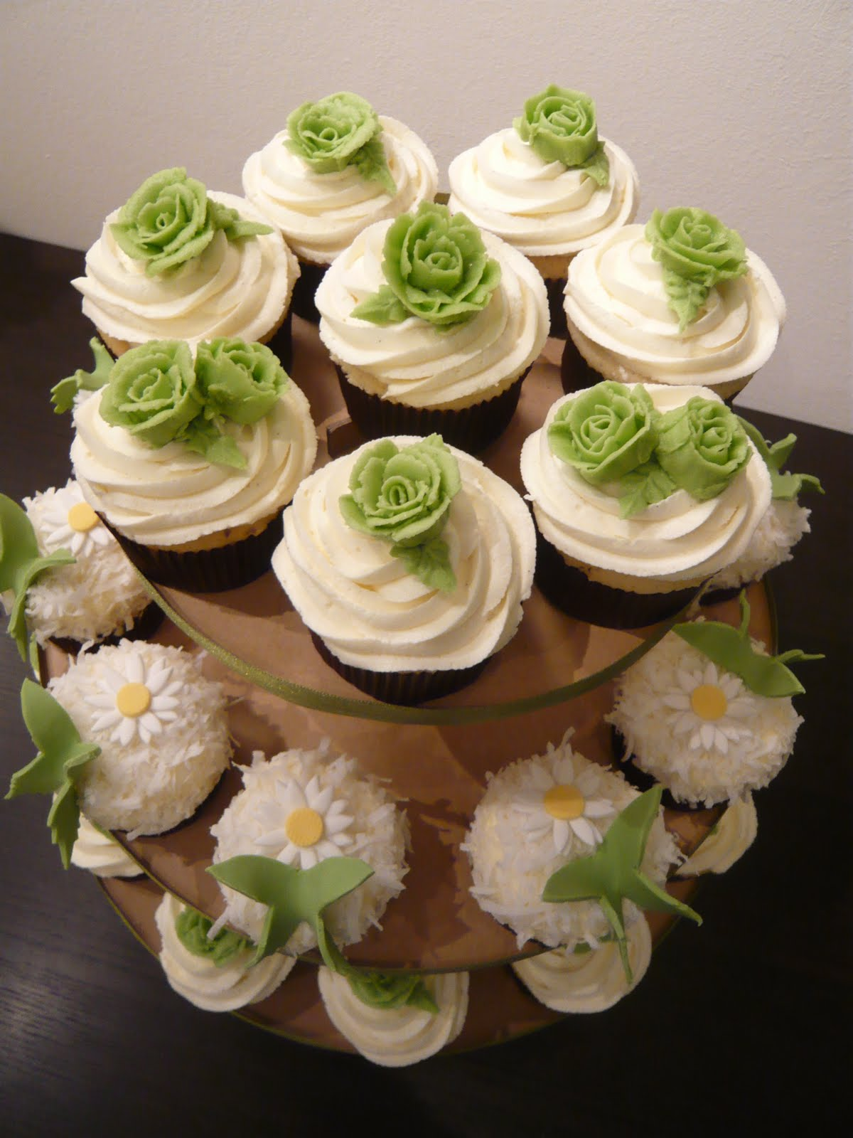 Cupcake Design For Wedding : Sift: Bespoke wedding cupcake designs!