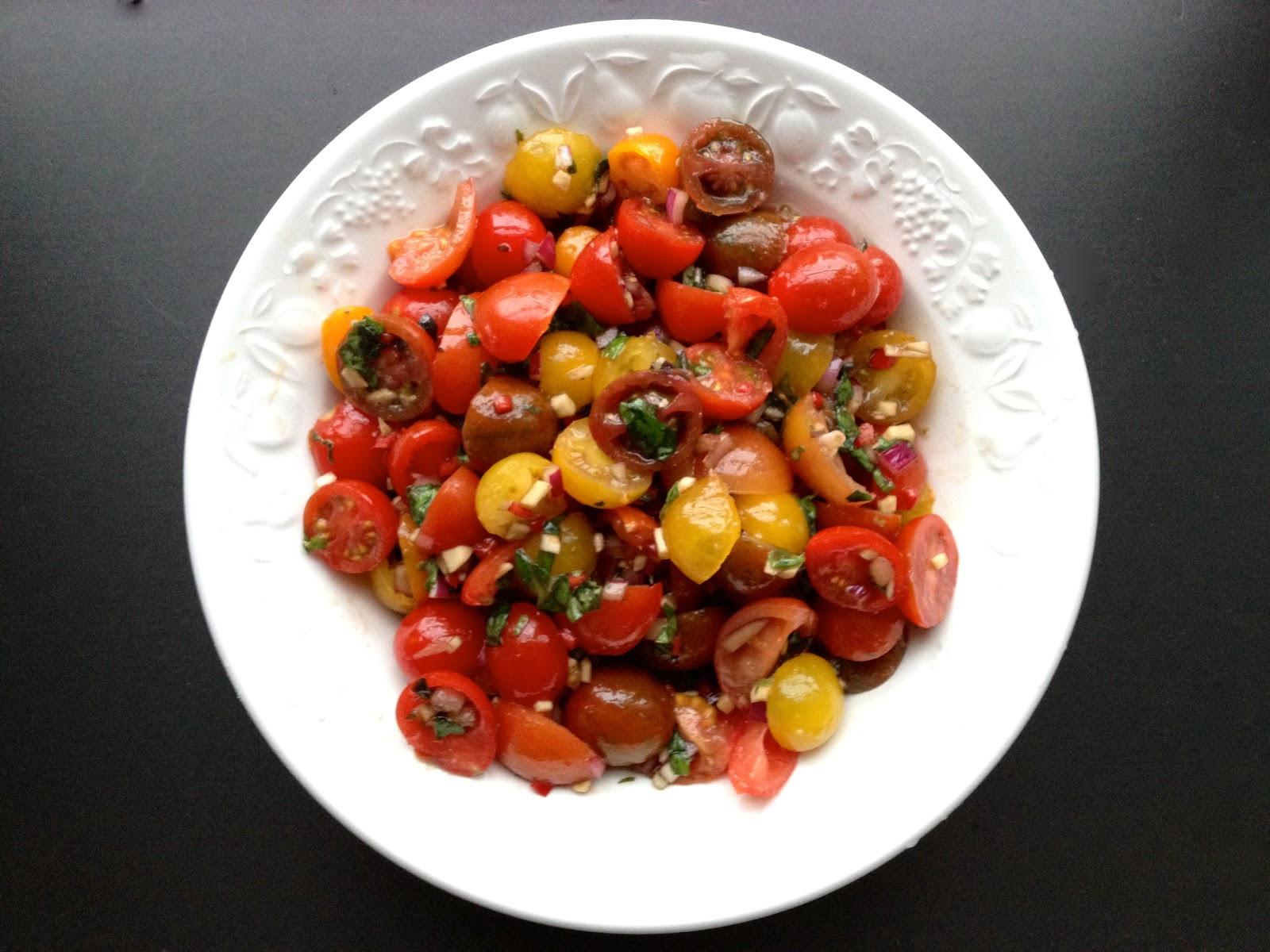 jamie oliver tomatsalat green umami vegetarmad med masser af smag. Black Bedroom Furniture Sets. Home Design Ideas