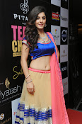 Isha talwar latest glam pics-thumbnail-10