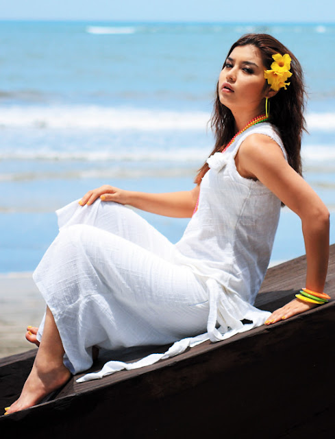 Myanmar  singer Melody in  the Beach