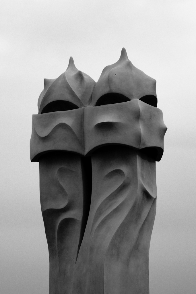Casa Milá, by Guillermo Aldaya / PhotoConversa