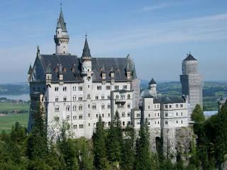 Cercle voyance ch teaux merveilleux magnifiques b tisses for Le chateau le plus beau du monde