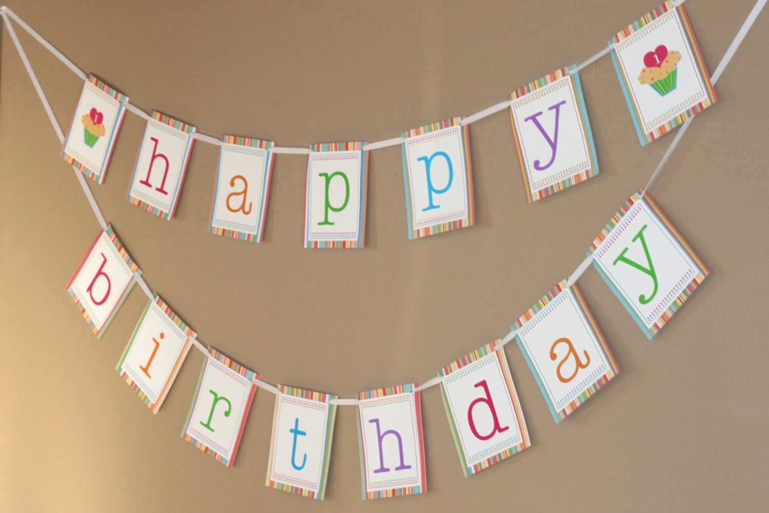 Free printable birthday banners cute and beautiful for Simple birthday decorations ideas at home