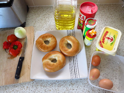How to Make Bagel and Egg