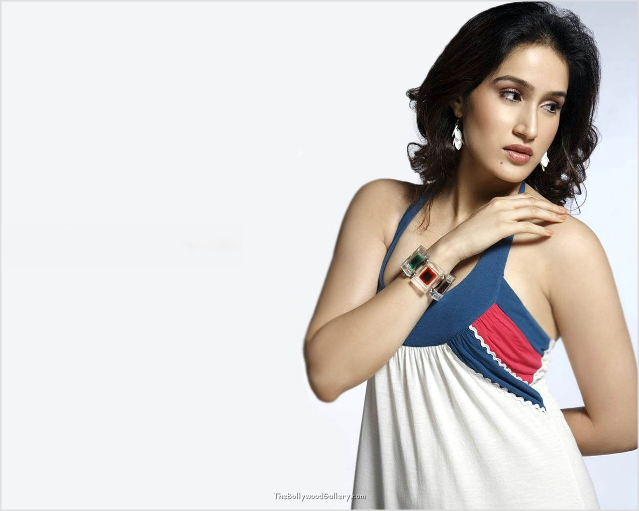 Sagarika Ghatge Bollywood Actress Hot Wallpapers - Funclub